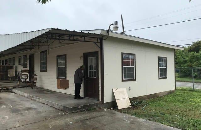 1000 EL PASO ST - 1000 El Paso Street, San Antonio, TX 78207