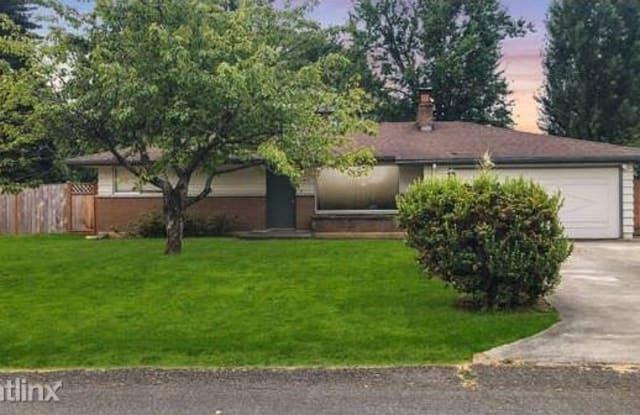 11417 SE 180th Pl - 11417 Southeast 180th Place, Renton, WA 98055
