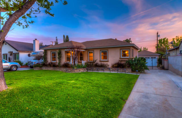 10708 Floral Dr - 10708 Floral Drive, Whittier, CA 90606