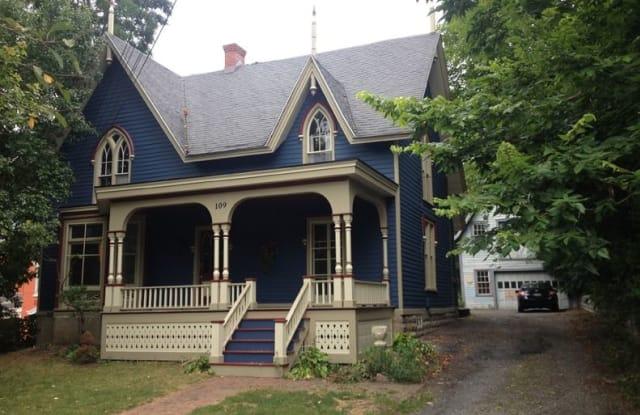 109 East Genesee Street C - 109 East Genesee Street, Fayetteville, NY 13066