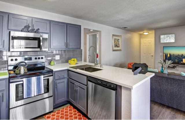 Martinique Bay Apartments - 3000 High View Dr, Henderson, NV 89014