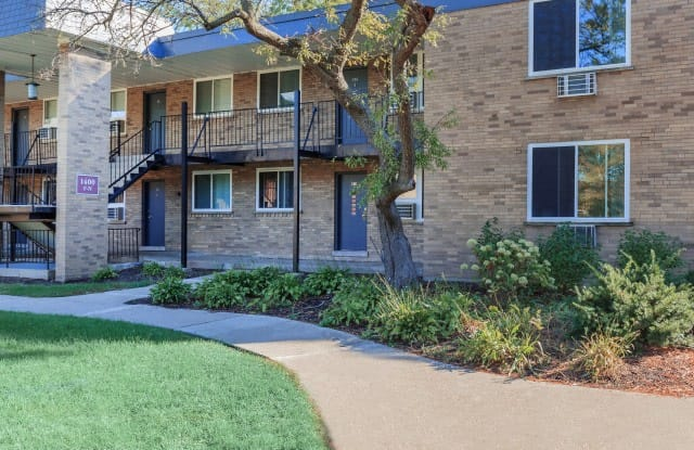 The Residences at 1450 - 1450 S Busse Rd, Mount Prospect, IL 60056