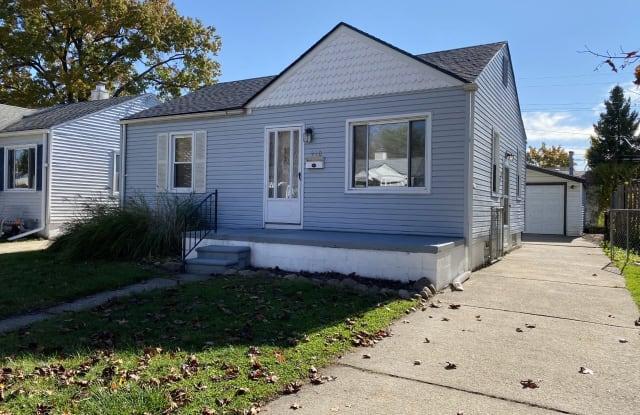 920 E Mapledale Ave - 920 East Mapledale Avenue, Hazel Park, MI 48030