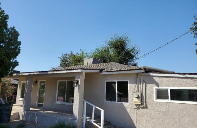 9720 Howard St - 9720 Howard Street, Lamont, CA 93241