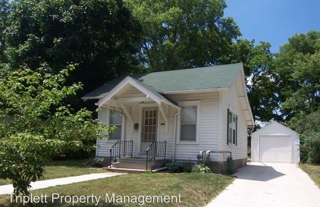 507 Hayward Ave - 507 Hayward Avenue, Ames, IA 50014