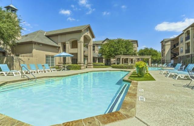 Fountains of Burleson Apartments - 745 W Hidden Creek Pkwy, Burleson, TX 76028