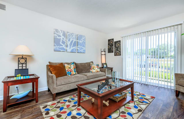 Chase Cove Apartments - 2999 Smith Springs Rd, Nashville, TN 37217