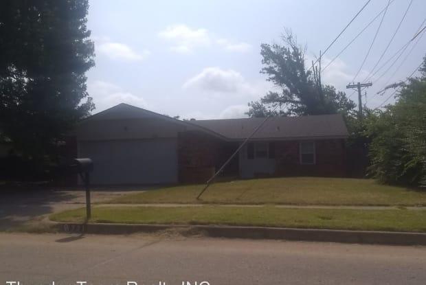 721 Vicksburg Avenue - 721 Vicksburg Avenue, Norman, OK 73071