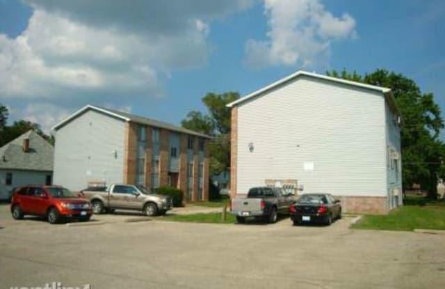1108 4th St Apt 1 - 1108 4th Street, Charleston, IL 61920