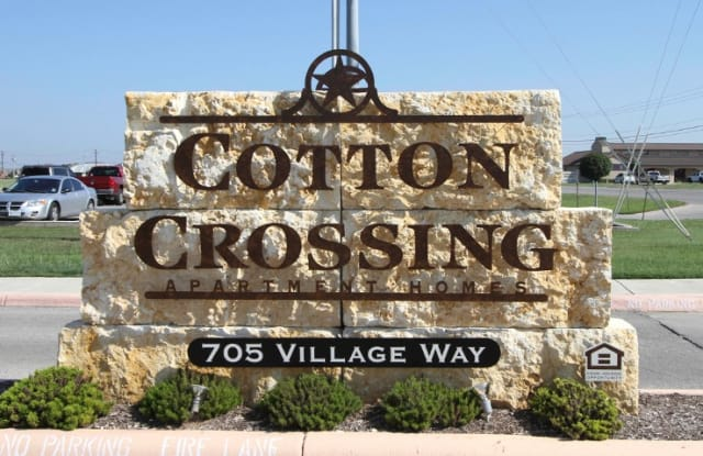 Cotton Crossing Apartment Homes - 705 Village Way, New Braunfels, TX 78130