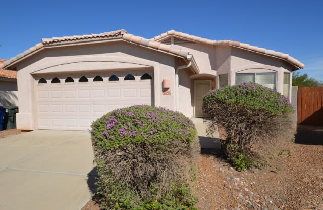 2529 S Avenida Arroyo Rincon - 2529 Avenida Arroyo Rincon, Tucson, AZ 85710