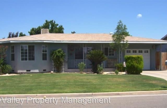 1584 E. Sierra Avenue - 1584 East Sierra Avenue, Tulare, CA 93274