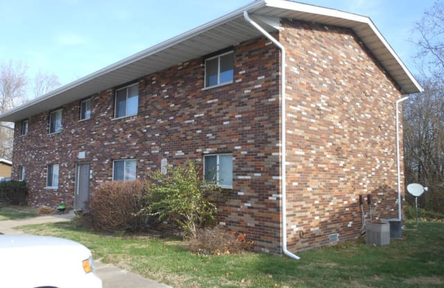 724 Patty Dr - 724 Patty Dr, Maryville, IL 62062