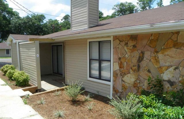 6346 W FAIRFIELD DR - 6346 West Fairfield Drive, Myrtle Grove, FL 32506