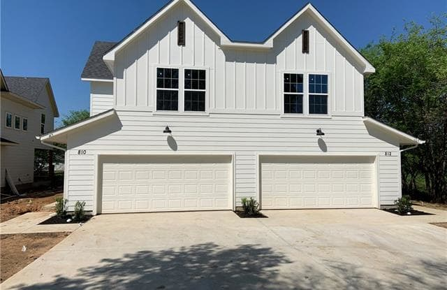 810 Dover - 810 North Dover Street, Pilot Point, TX 76258