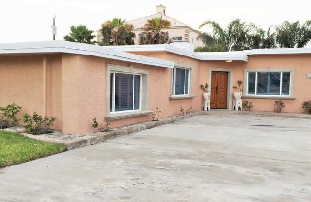 106 Whiting St. - 106 East Whiting Street, South Padre Island, TX 78597