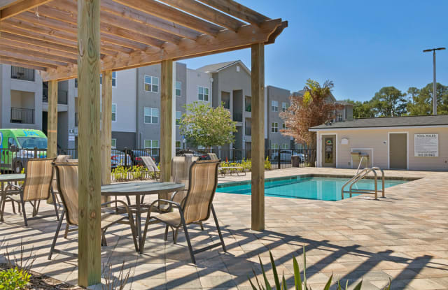 Citrus Run Apartments - 8870 W Waters Ave, Town 'n' Country, FL 33615