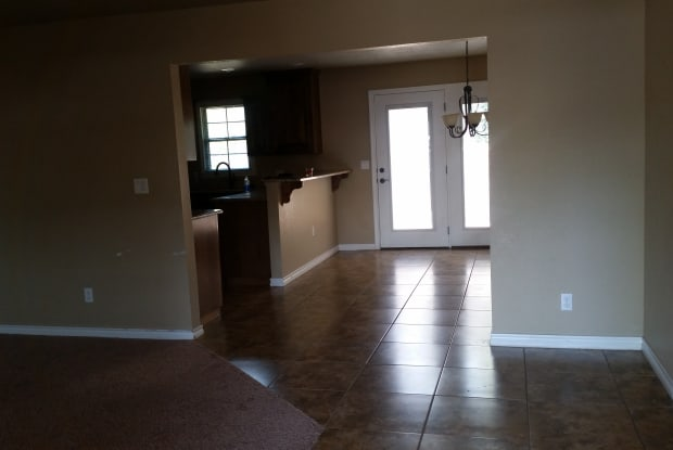 105 E 16th St - 105 East 16th Street, Portales, NM 88130