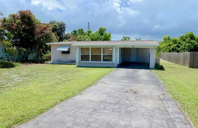 1622 NE Maureen Court - 1622 Northeast Maureen Court, Jensen Beach, FL 34957