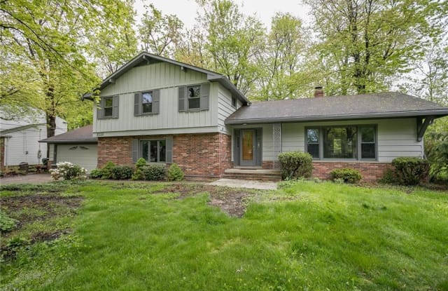 1031 West Mill Dr - 1031 West Mill Drive, Highland Heights, OH 44143