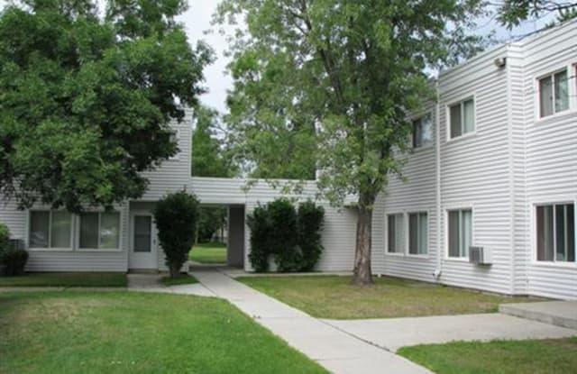 Birch Court - 600 E 40th St, Hibbing, MN 55746