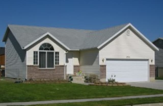 4701 South 3950 West - 4701 South 3950 West, Roy, UT 84067