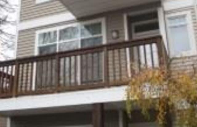 916 N 200th St - 916 North 200th Street, Shoreline, WA 98133
