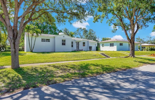 542 NE 107th St - 542 NE 107th St, Miami Shores, FL 33138