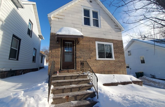 516 N 16th Ave E - 516 North 16th Avenue East, Duluth, MN 55812