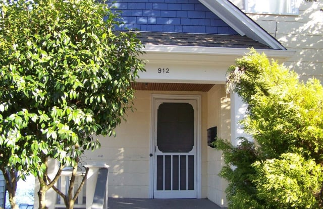 912 Washington Ave - 912 Washington Avenue, Bremerton, WA 98337