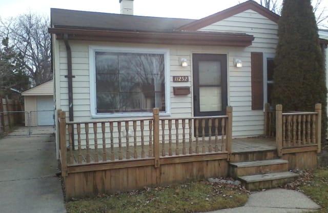 11252 Lozier Ave - 11252 Lozier Avenue, Warren, MI 48089