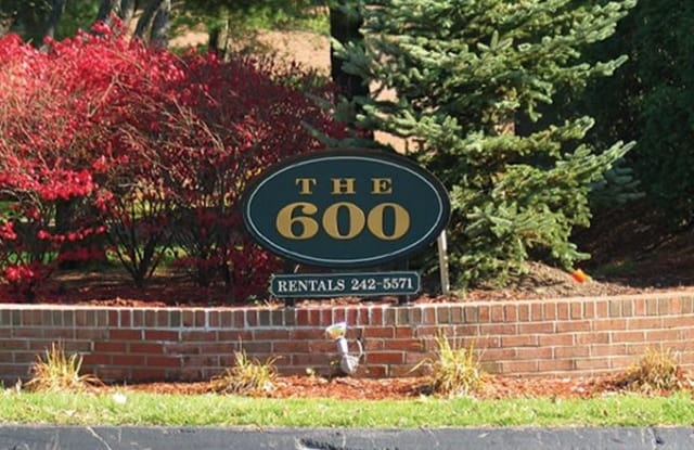 The 600 Apartments - 675 Cottage Grove Rd, Bloomfield, CT 06002
