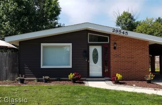 29545 FAIRFAX Street - 29545 Fairfax Street, Southfield, MI 48076