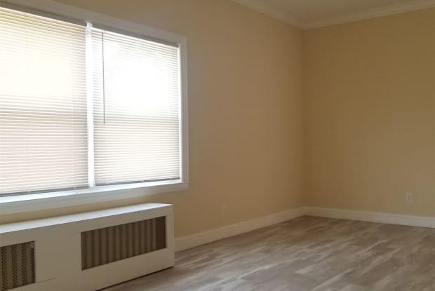 66 Terrace Ave - 66 Terrace Avenue, West Haven, CT 06516