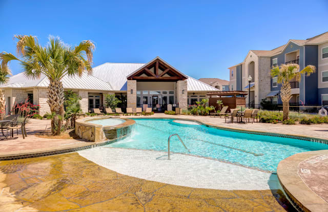 The Residence At Midland - 5801 Deauville Boulevard, Midland, TX 79706