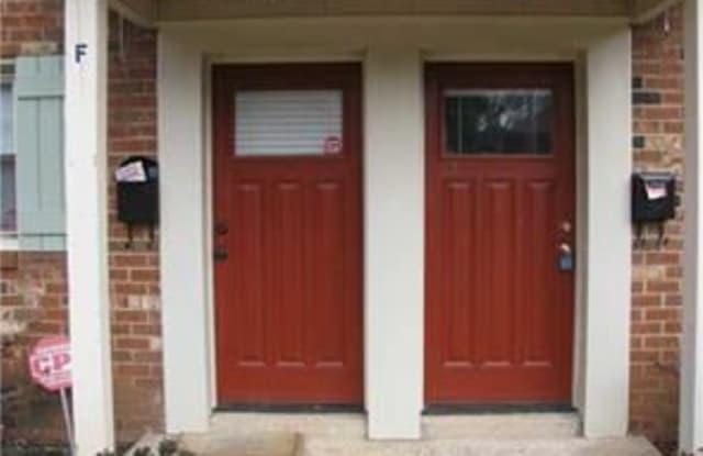 1207 E Green Oaks Lane - 1207 Green Oaks Ln, Charlotte, NC 28205