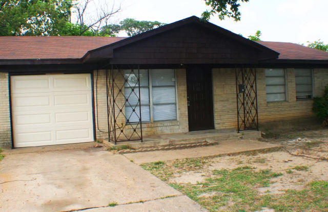 721 Ivywood Dr - 721 Ivywood Drive, Dallas, TX 75232