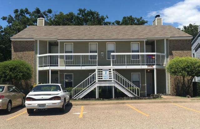 4419 Lake Shore Villa Dr. Lake Shore Villa Apts. - 4419 Lake Shore Villa Dr, Waco, TX 76710