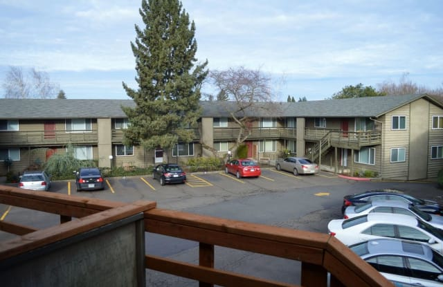 Ashley Court Apartments - 3737 Southeast 36th Place, Portland, OR 97202