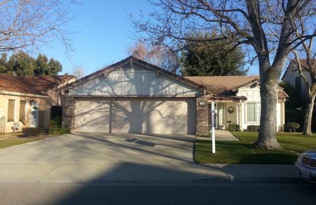1570 Lando Drive - 1570 Lando Drive, Oakdale, CA 95361