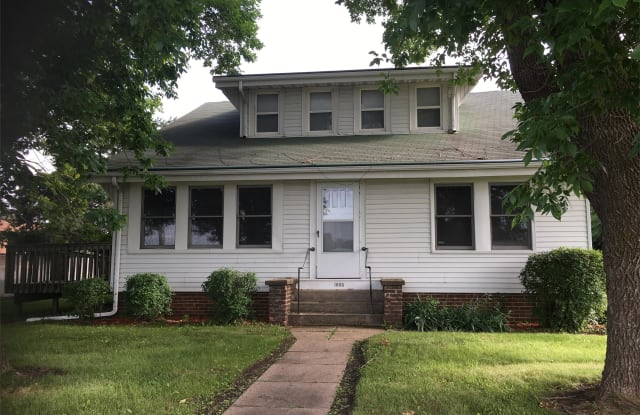 1805 Army Post Road - A - 1805 Army Post Road, Des Moines, IA 50315
