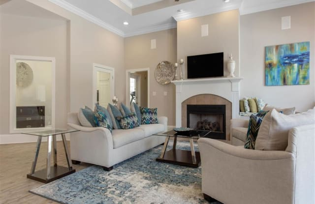 Residences at Braemar Apartments - 8010 Woodsedge Dr, Charlotte, NC 28216