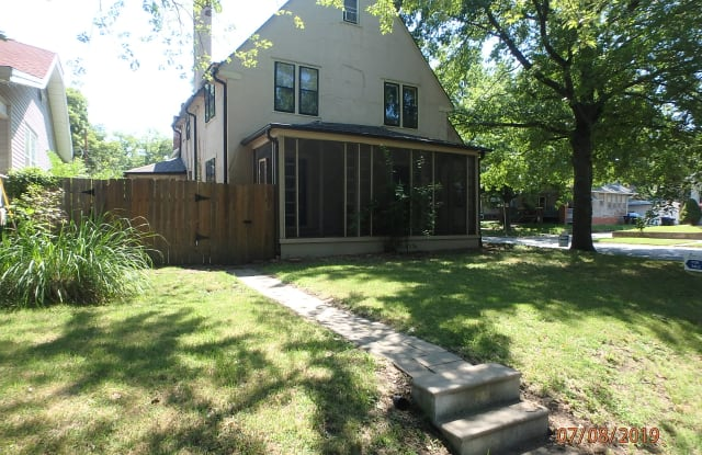 1816 Southwest Huntoon Street - 1816 Southwest Huntoon Street, Topeka, KS 66604