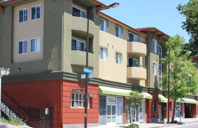 Berkeley Apartments - Renaissance Villas