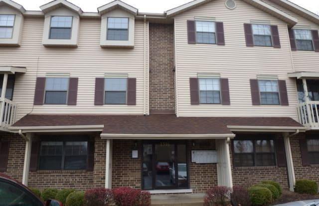 1516 West Jefferson Avenue - 1516 West Jefferson Avenue, Naperville, IL 60540