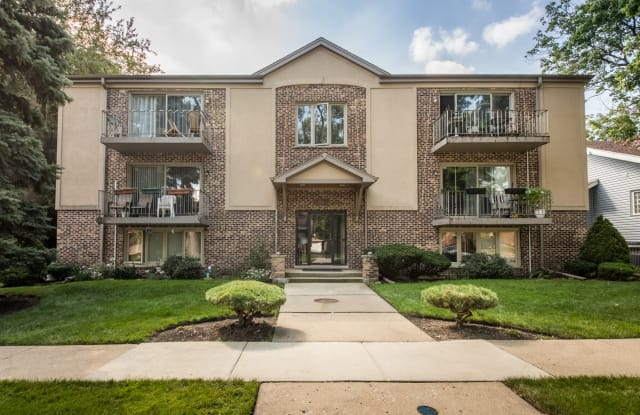 1611 ASHLAND Avenue - 1611 Ashland Avenue, Des Plaines, IL 60016