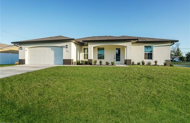 1203 SW 29th ST - 1203 Southwest 29th Street, Cape Coral, FL 33914