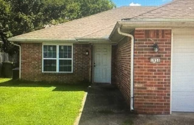 1953 S 11th Pl - 1953 South 11th Place, Rogers, AR 72758