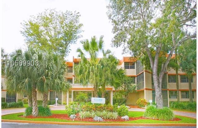 16475 GOLF CLUB RD - 16475 Golf Club Road, Weston, FL 33326