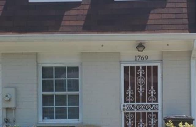 1769 DUTCH VILLAGE DRIVE - 1769 Dutch Village Drive, Landover, MD 20785